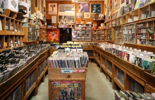 B-Side Records interior, Madison, Wisconsin, 2017